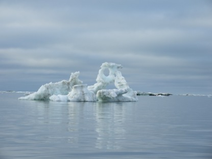 Sea ice monuments