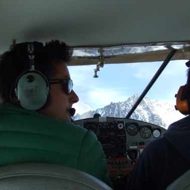Pilot Tom giving us the low down on the high up places of the Wrangell St. Elias Range.