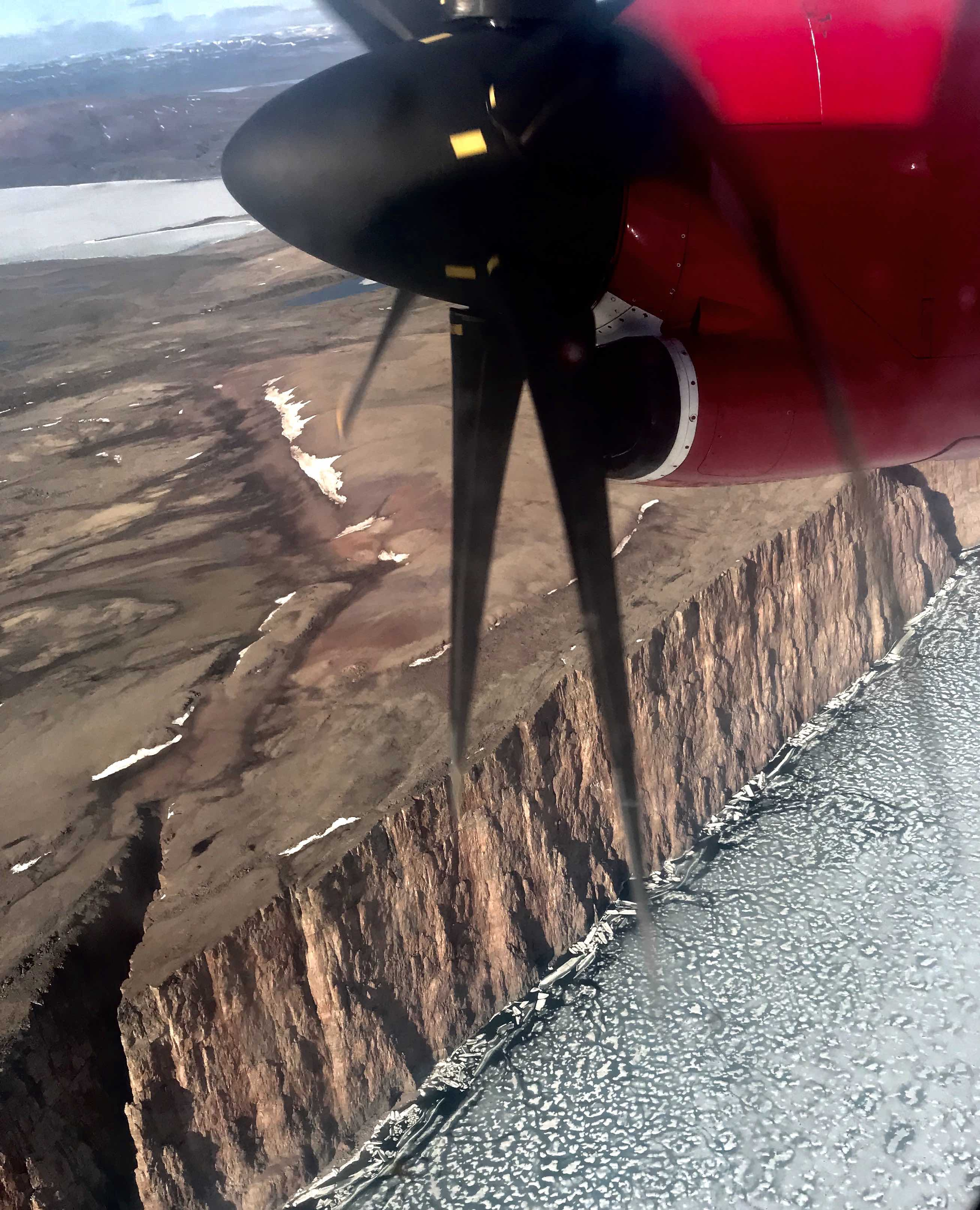 Arctic_cliffs